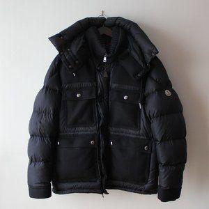 Puffer Moncler winter coat